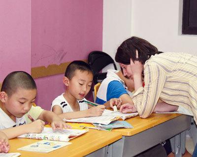 幼儿园毕业生识字量不够培训机构加餐拼音课--图鉴中国